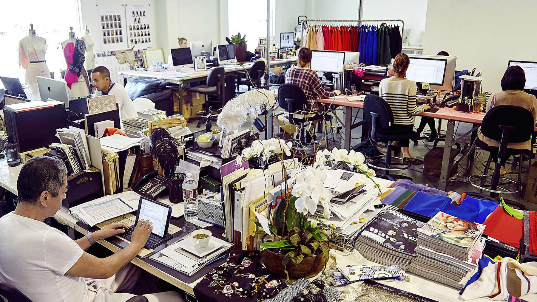 Tadashi Shoji's open plan LA workspace | Source: Courtesy