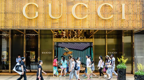 91b8868c395 Chinese shoppers at Gucci