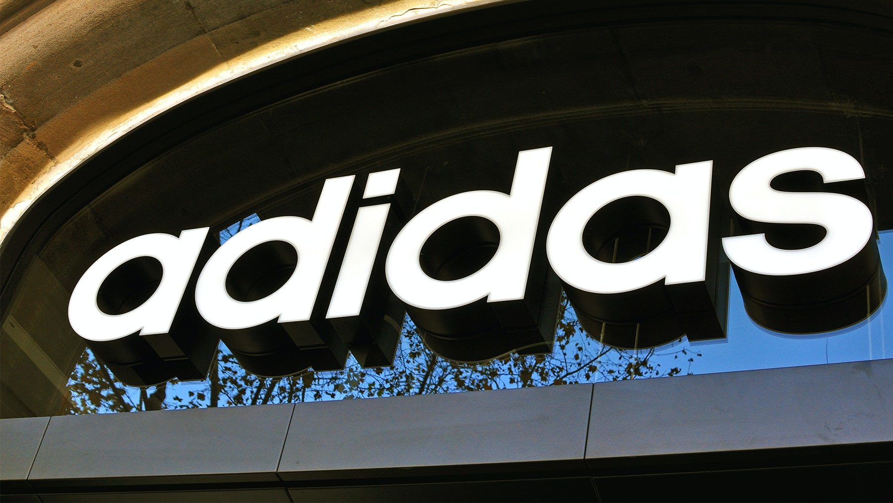 Article cover of Adidas CEO Sees China Stabilising As US Grows