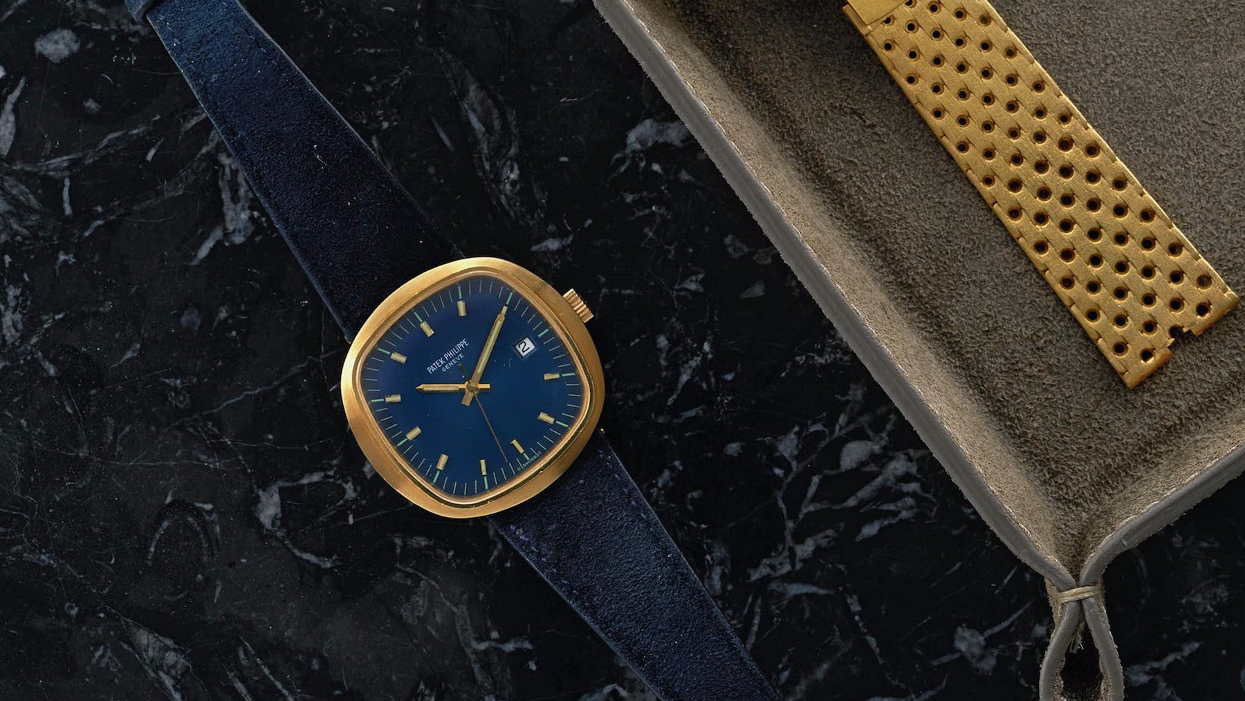 A vintage 1970s Patek Philippe watch | Source: Shop.Hodinkee.com