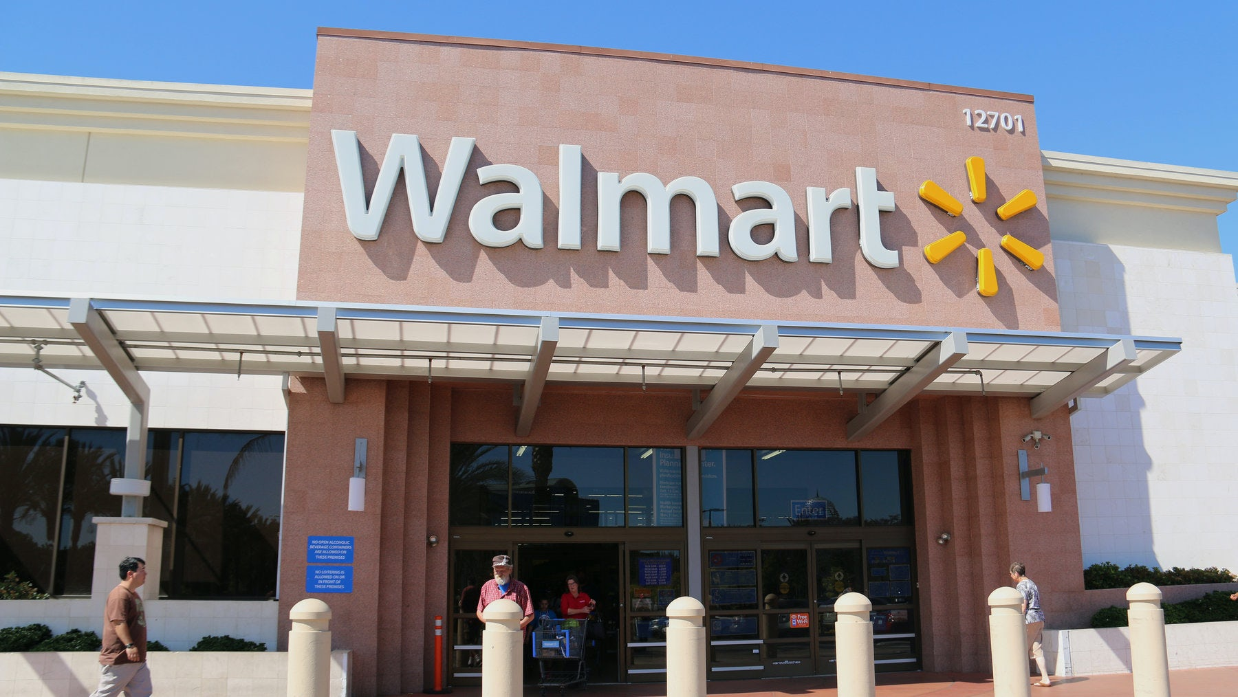 Walmart store | Source: Shutterstock