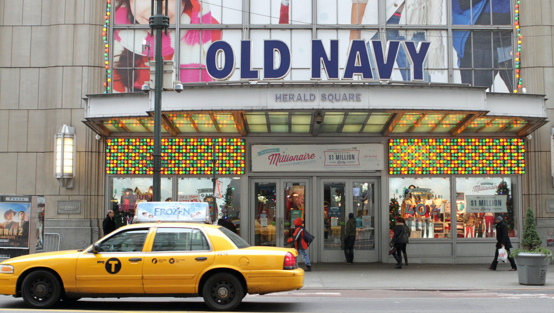 Gap's Old Navy Boosts Hopes for Turnaround