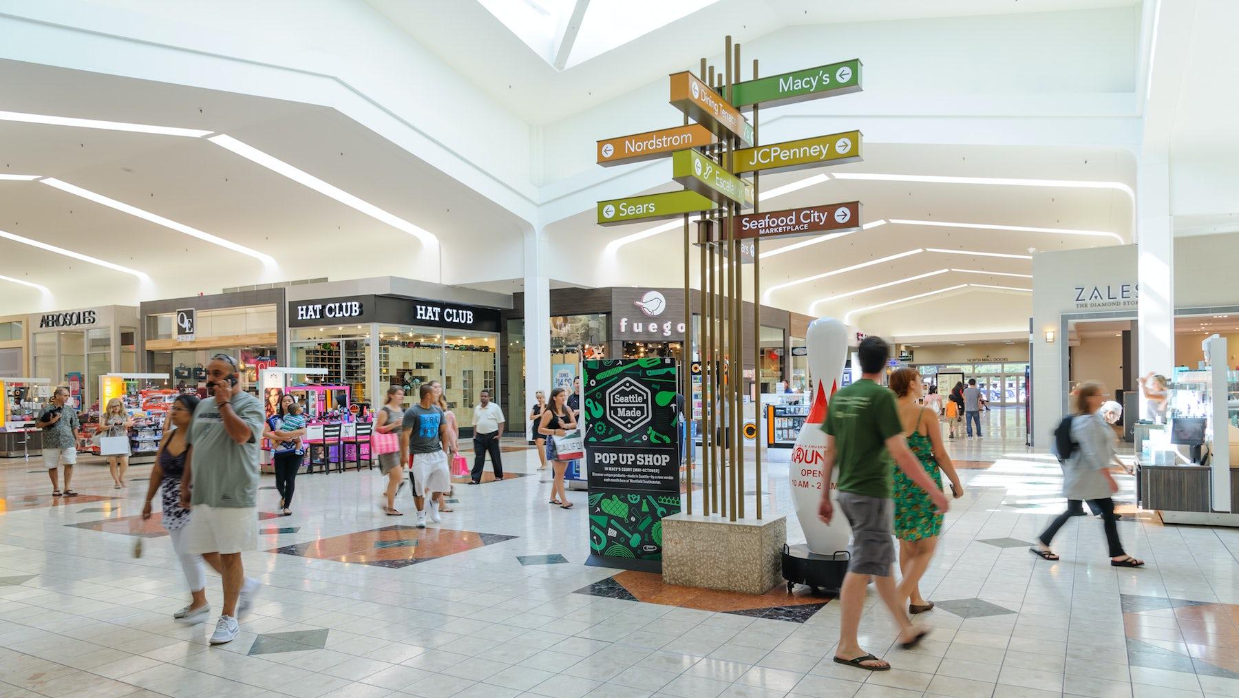Southcenter Shopping Mall in Tukwila, Washington | Source: Shutterstock