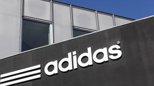Adidas Outruns Rival Nike Even as Revenue Growth Rate Slows  789e773cf368
