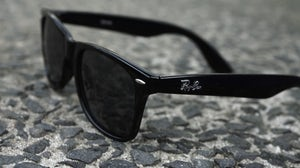 Ray-Ban Wayfarer | Source: Flickr/ElizabethMcClay