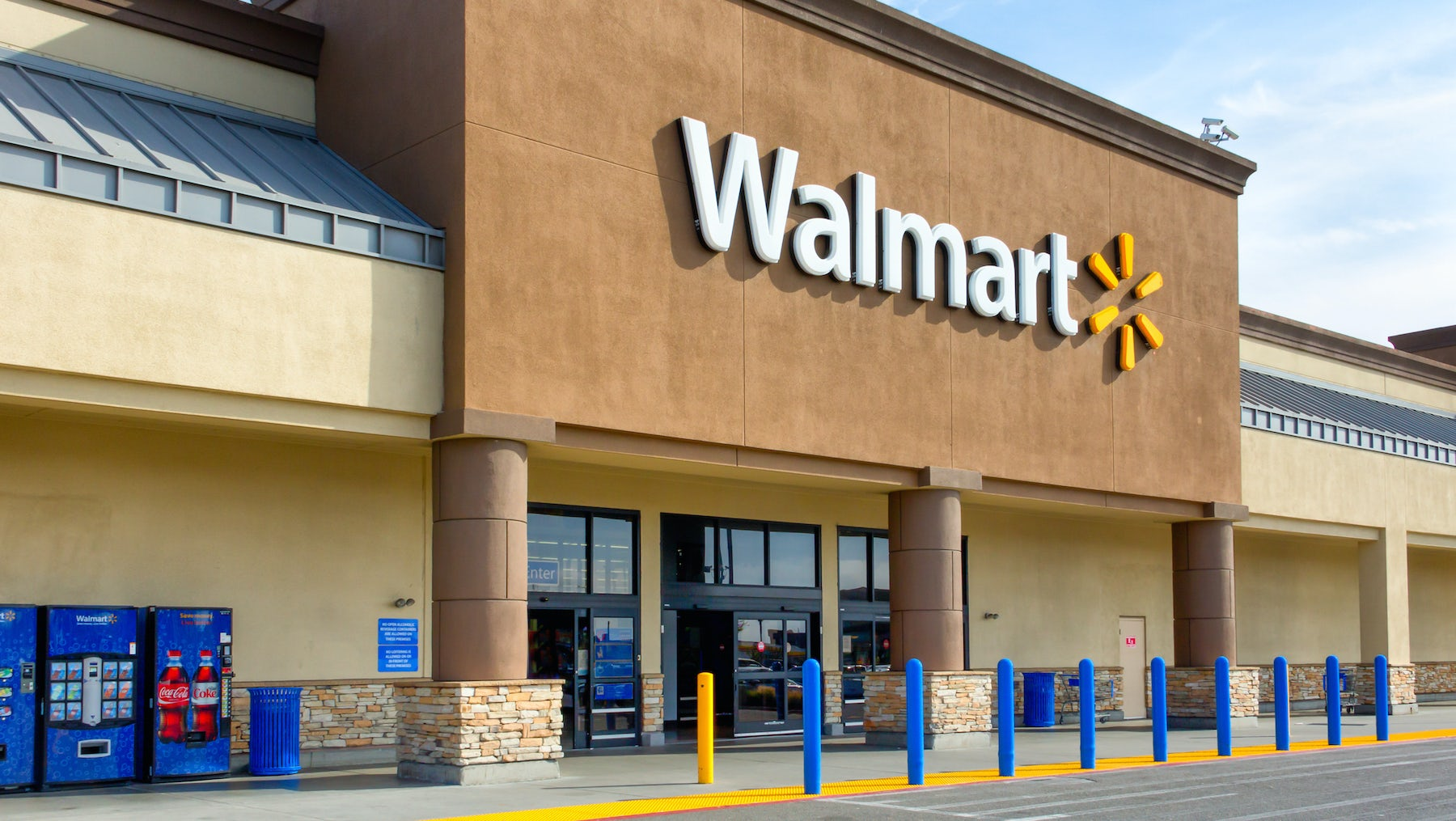 Walmart store front   Source: Shutterstock