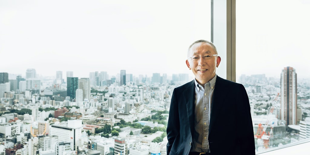 Uniqlo founder Yanai to Resign as SoftBank Board Member