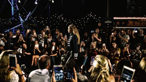 Gigi Hadid walks the runway at TOMMYNOW Show Autumn 2016 | Source: Grant Lamos IV/Getty Images