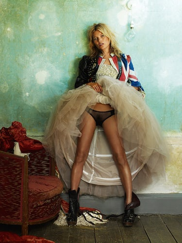 Kate Moss for British Vogue | Photo: Mario Testino/Courtesy