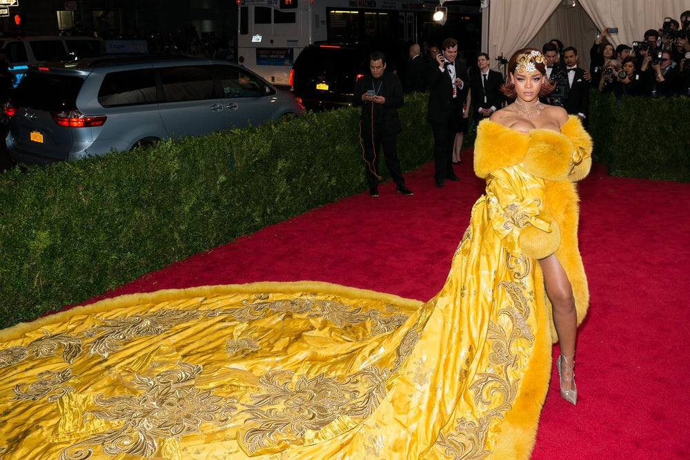 Rihanna in Guo Pei at the 2015 Met Gala   Source: Shutterstock