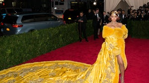 Rihanna in Guo Pei at the 2015 Met Gala | Source: Shutterstock
