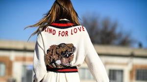 Anna Della Russo outside Gucci | Photo: Hugo Lee