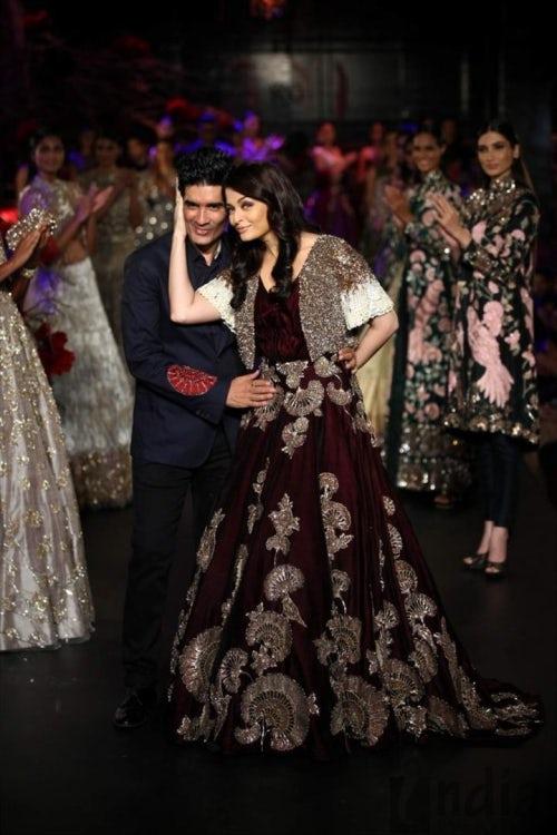 Aishwarya Rai Bachchan walks for Manish Malhotra at Amazon India Fashion Week | Source: Courtesy