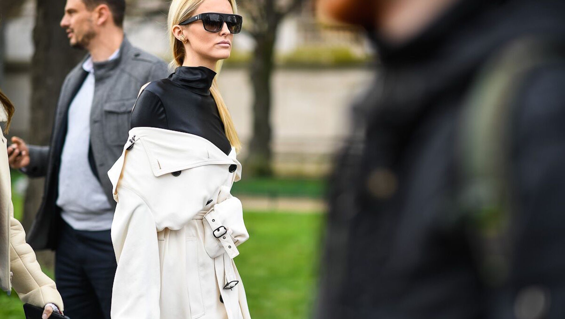 Unknown outside PFW | Photo: Hugo Lee