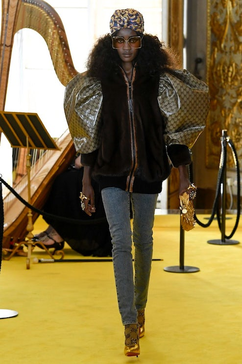 7ef81d7b8 A look from the Gucci Cruise 2018 that references a creation by Daniel Day,  aka
