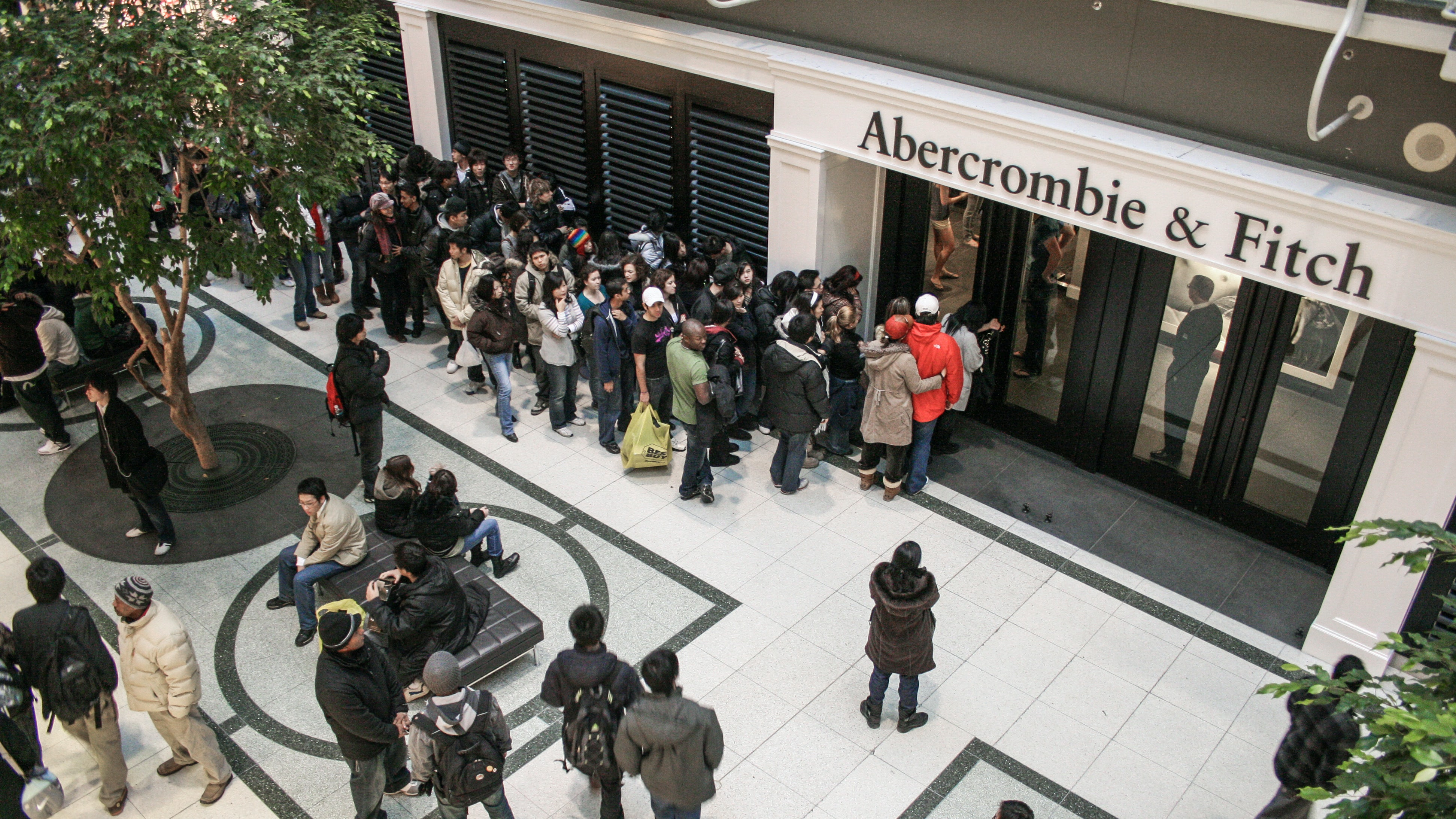 An Abercrombie & Fitch store in 2007 | Source: Shutterstock