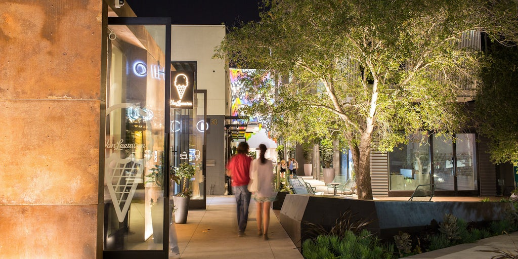 0b8f60ee526 The Rise of Luxury Strip Malls