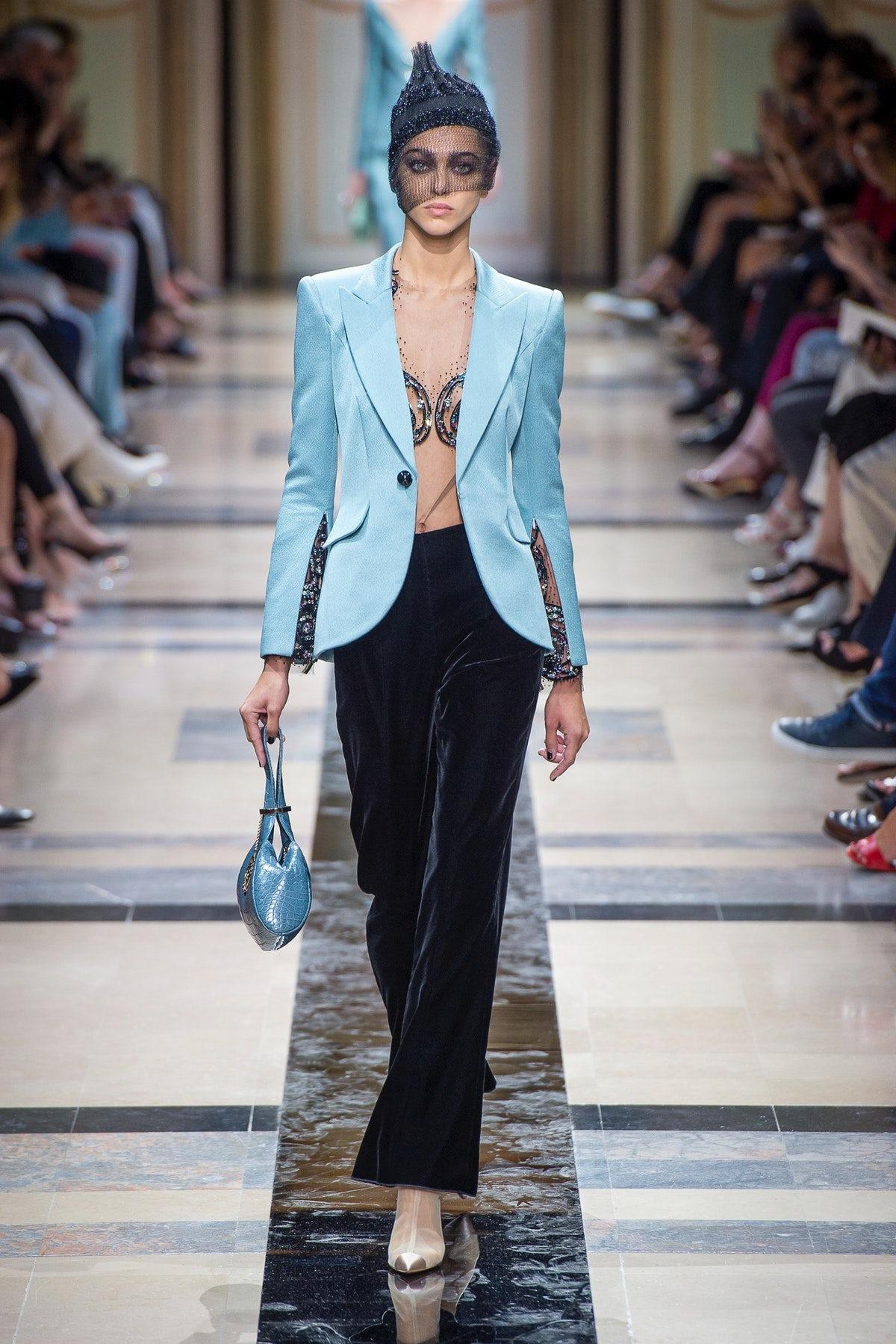 Giorgio Armani Haute Couture Autumn/Winter 2018 | Source: InDigital.tv