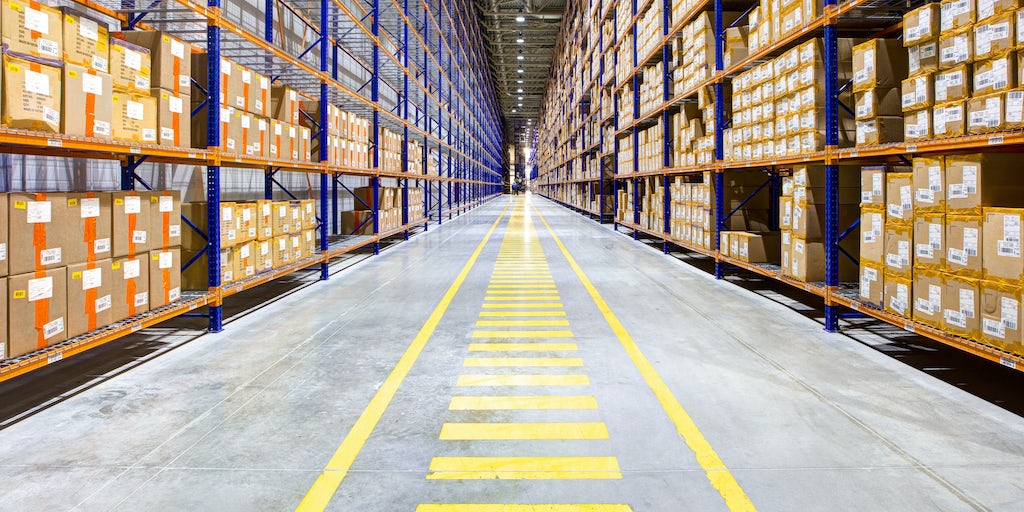 中国物流_Warehouses Get Bigger, Taller and Faster as E-Commerce Takes Off | News Analysis | BoF