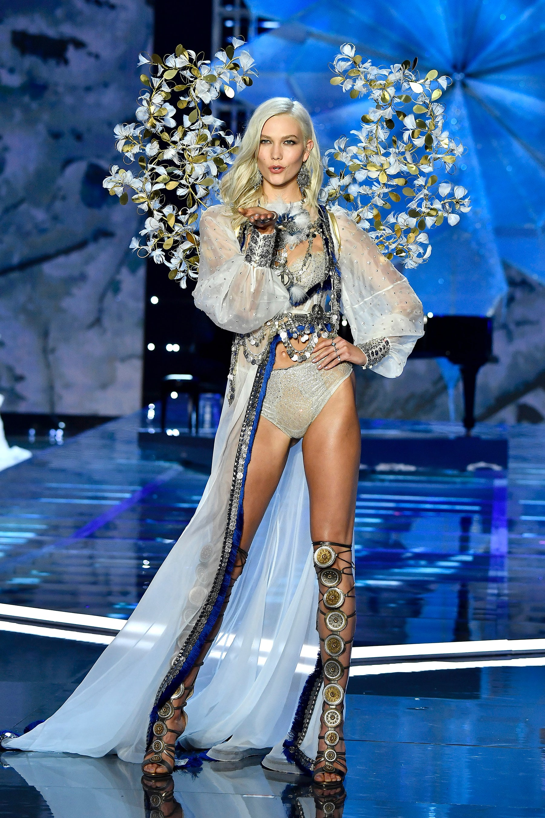 Karlie Kloss walks the 2017 Victoria's Secret Fashion Show | Source: Courtesy