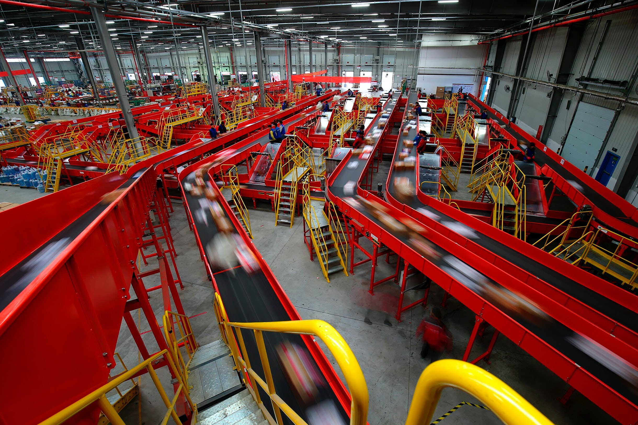 JD.com's automated logistics and warehouse complex in Gu'an, China | Source: Getty