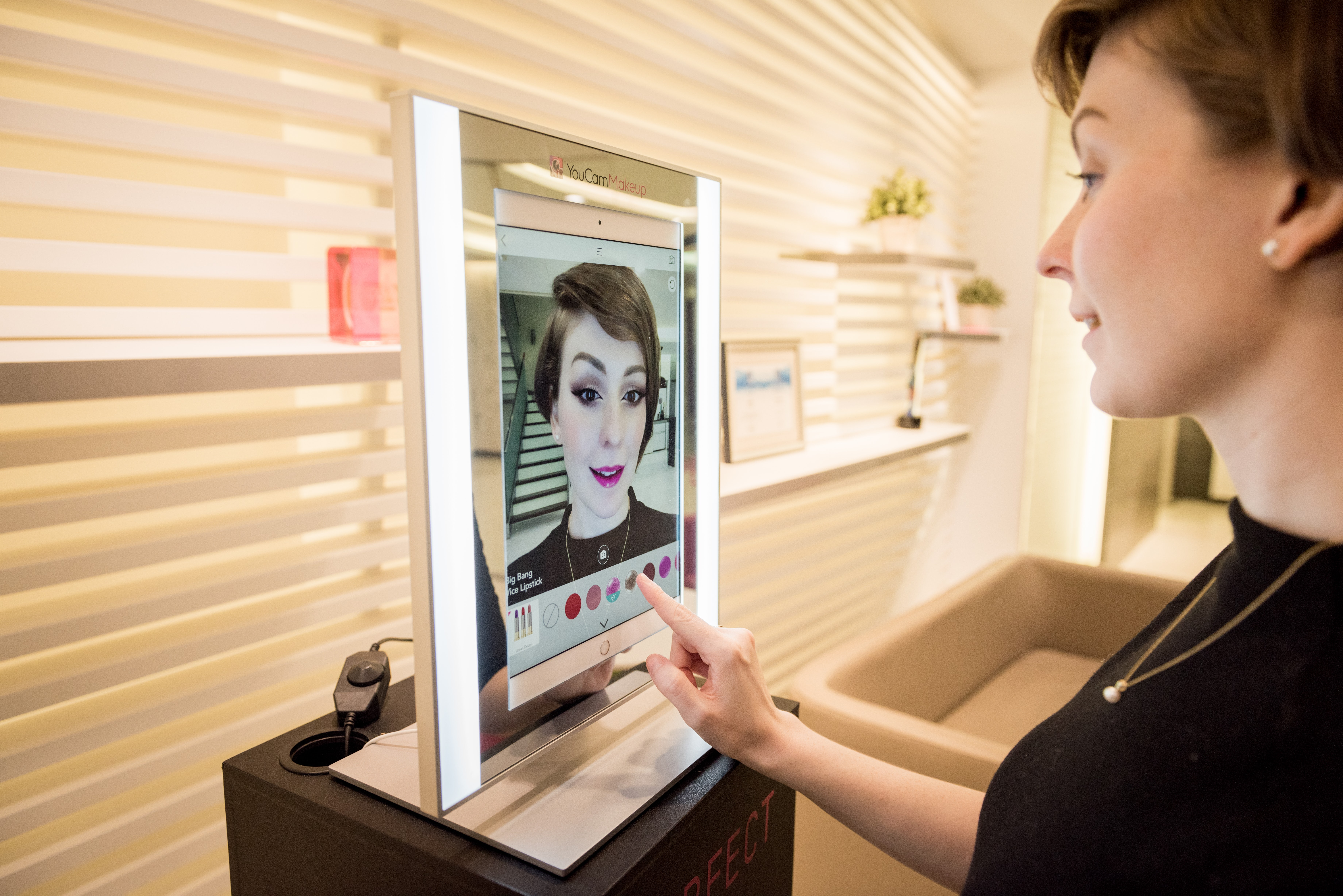 YouCam's Makeup Mirror | Source: Courtesy