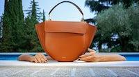 "Wandler's ""Hortensia"" bag | Photo: Leonardo Scotti"