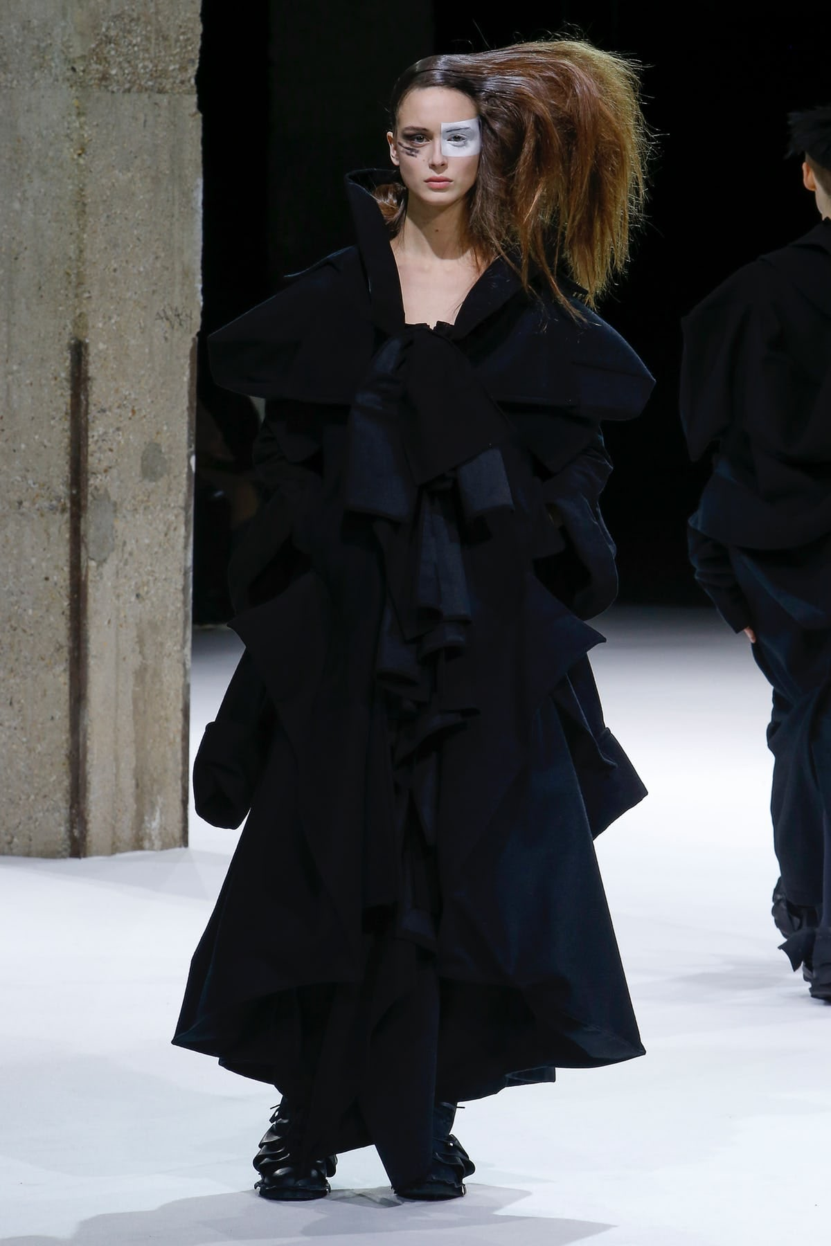 Yohji Yamamoto Autumn/Winter 2018 | Source: Indigital
