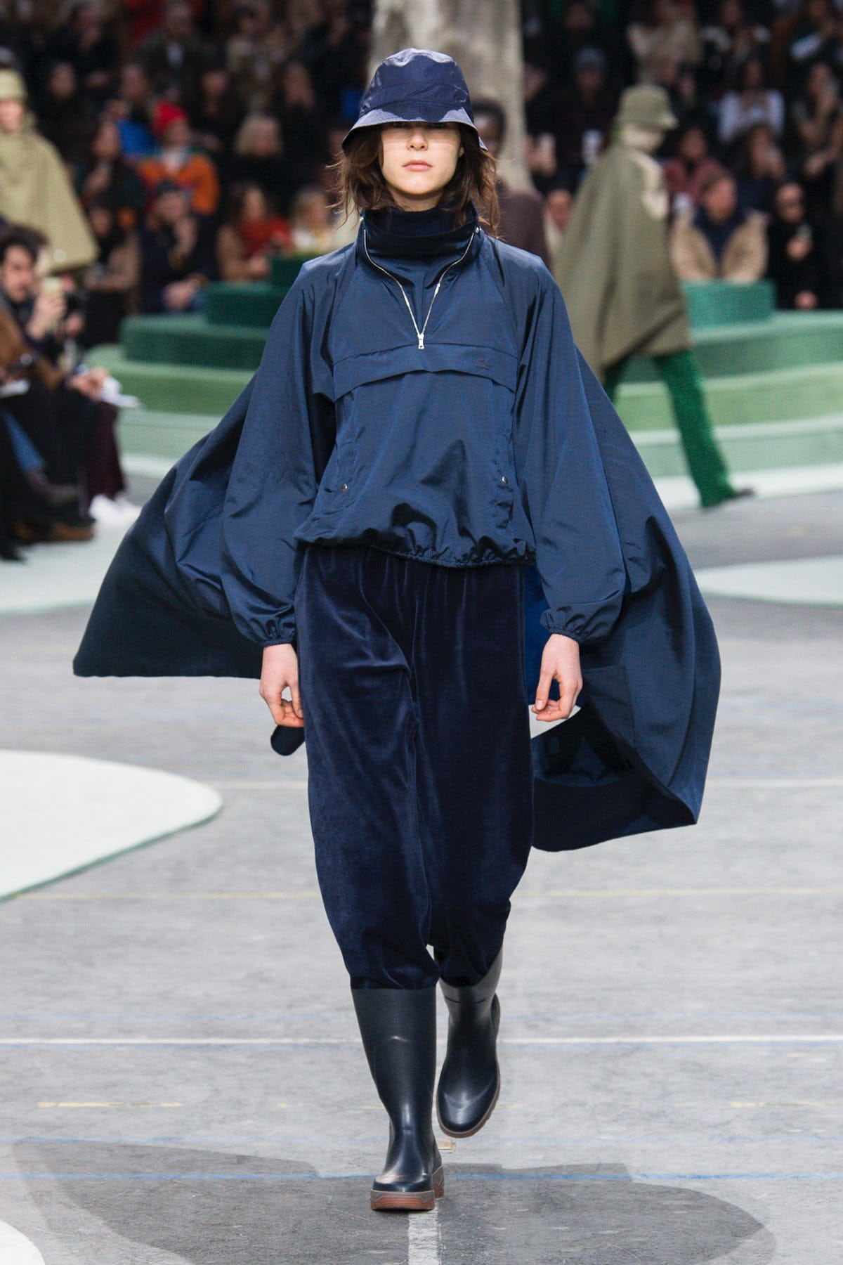 An Upwards Arc at Lacoste
