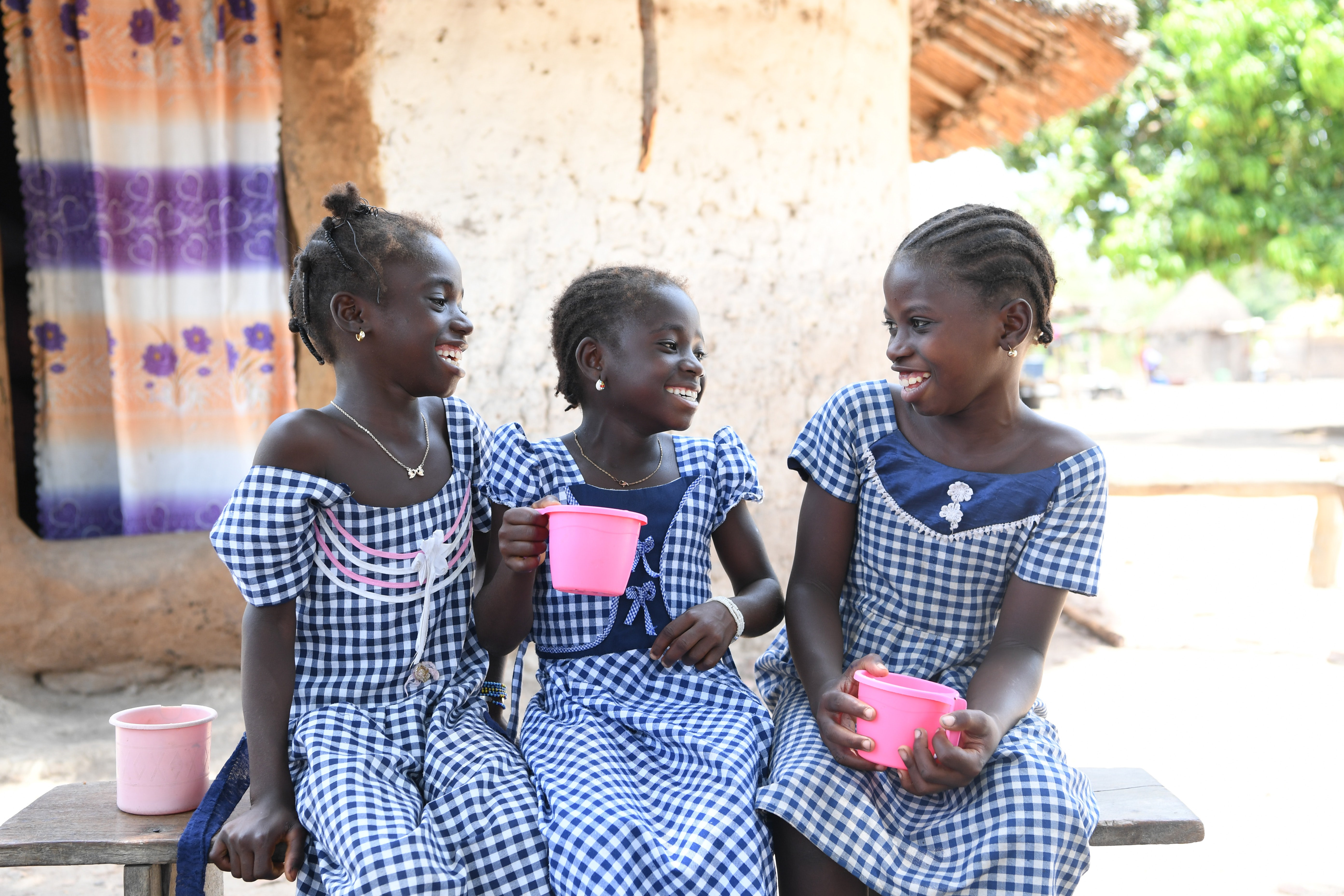 School girls in the North East of Côte d'Ivoire. (L-R) Fanta, Nawa and Karidja. Fanta wants to become a doctor, Nawa a teacher and Karidja a professor | Source: UNICEF/UN061567/Dejongh