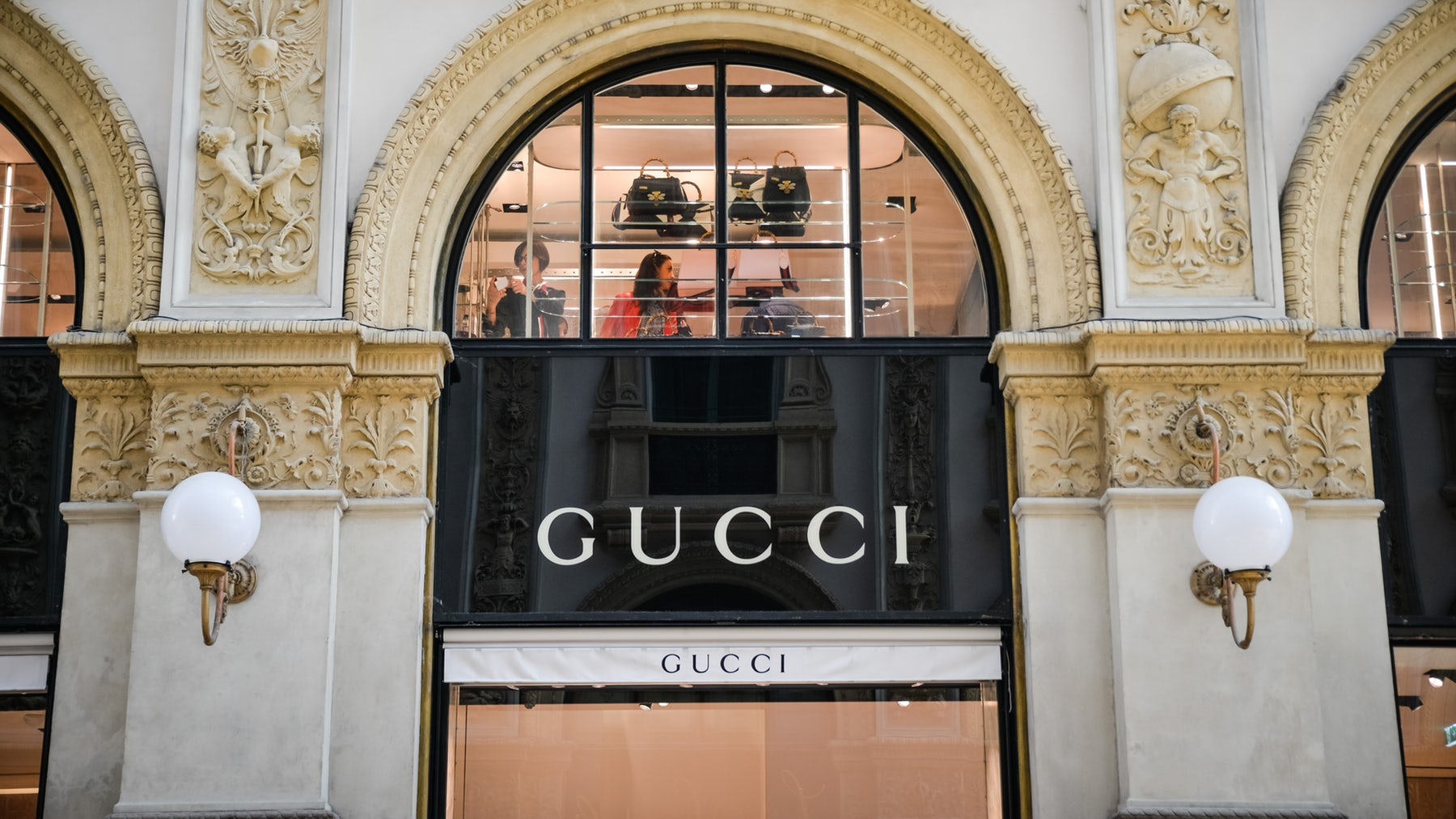 Article cover of Kering Shares Fall as Gucci Seen Weaker Than Forecast
