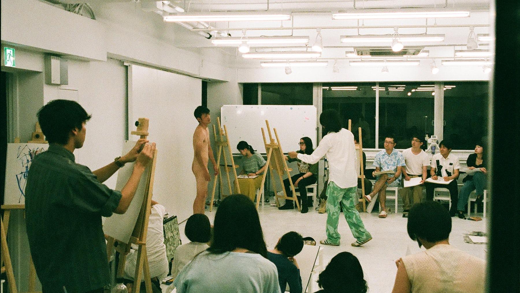 Nude life drawing classes at Coconogacco in Tokyo | Photo: Chikashi Suzuki
