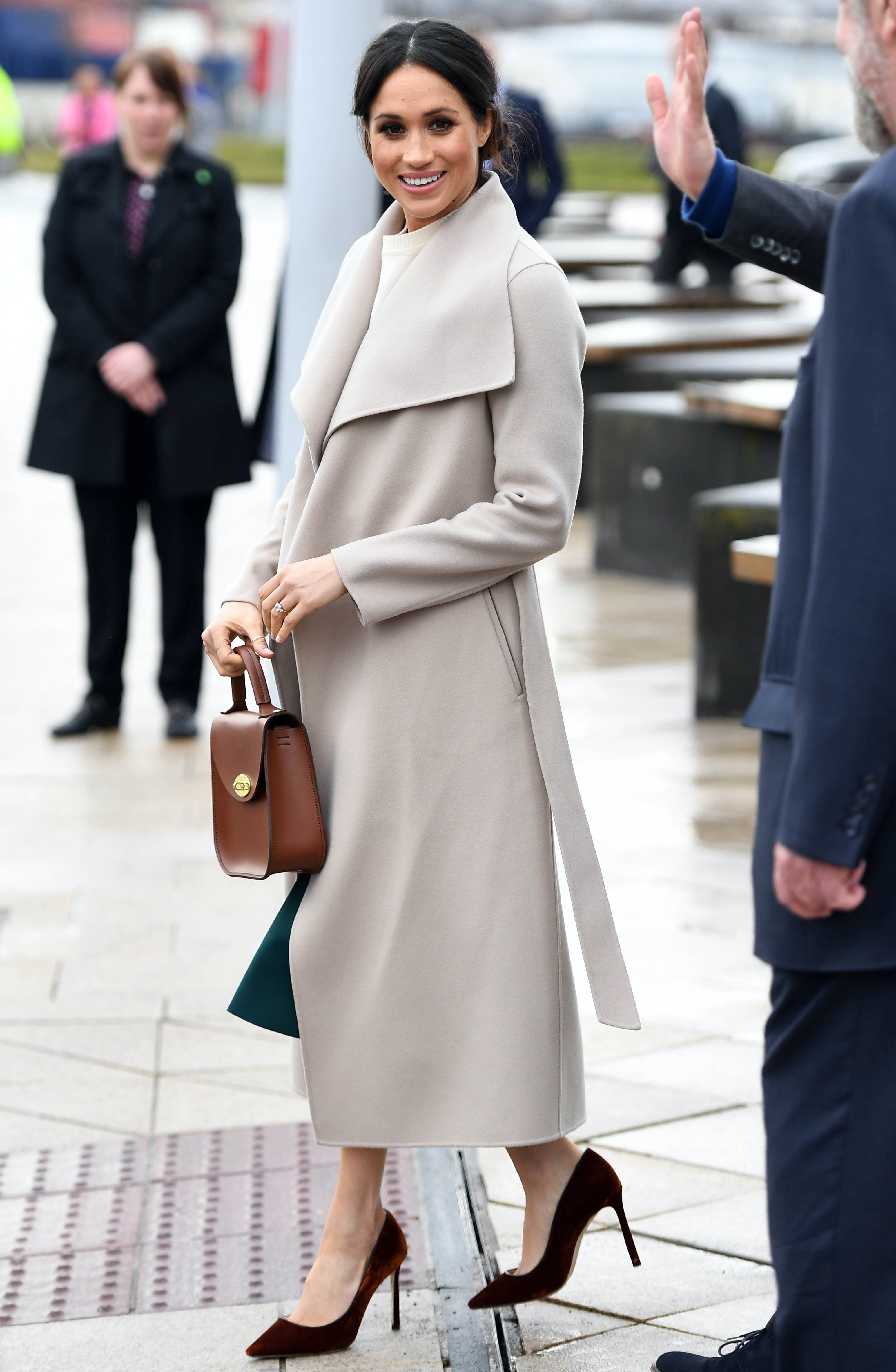 Meghan Markle wearing a Mackage coat on a visit to Belfast | Source: Andrew Parsons - Pool/Getty Images