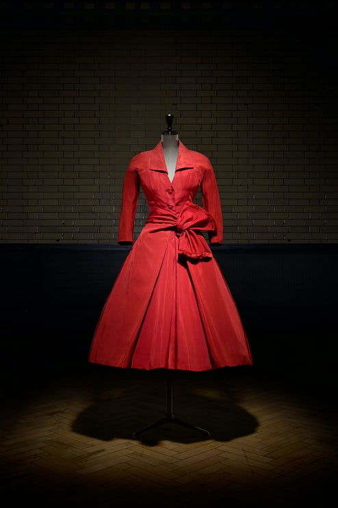 V A to Stage Dior Exhibition in London  3ec41af9702