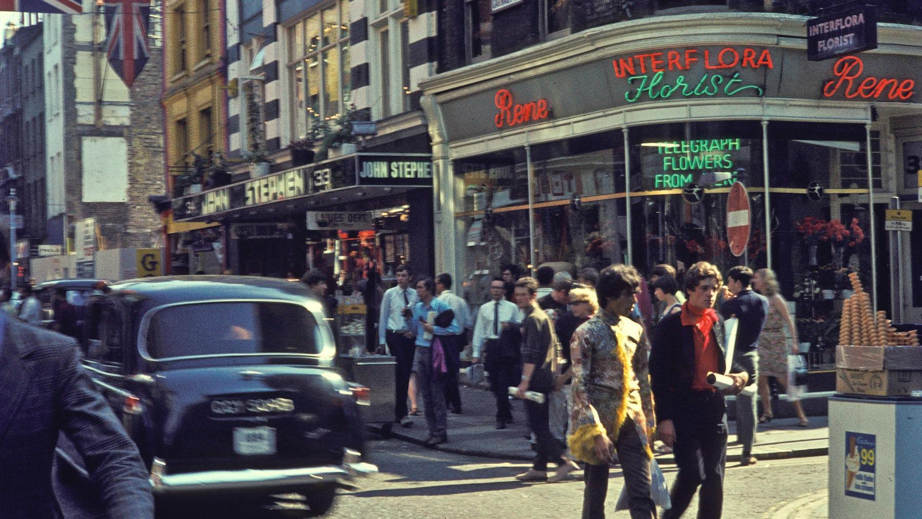 Carnaby Street in 1968 | Photo: H. Grobe via Wikicommons