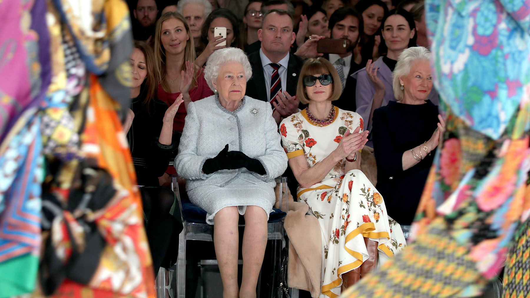 Queen Elizabeth II and Anna Wintour at Richard Quinn's Autumn/Winter 2018 show | Source: Yui Mok/AFP/Getty