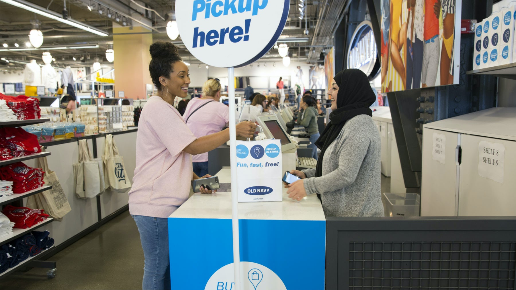 Buy online, pickup in store service in Old Navy | Source: Courtesy