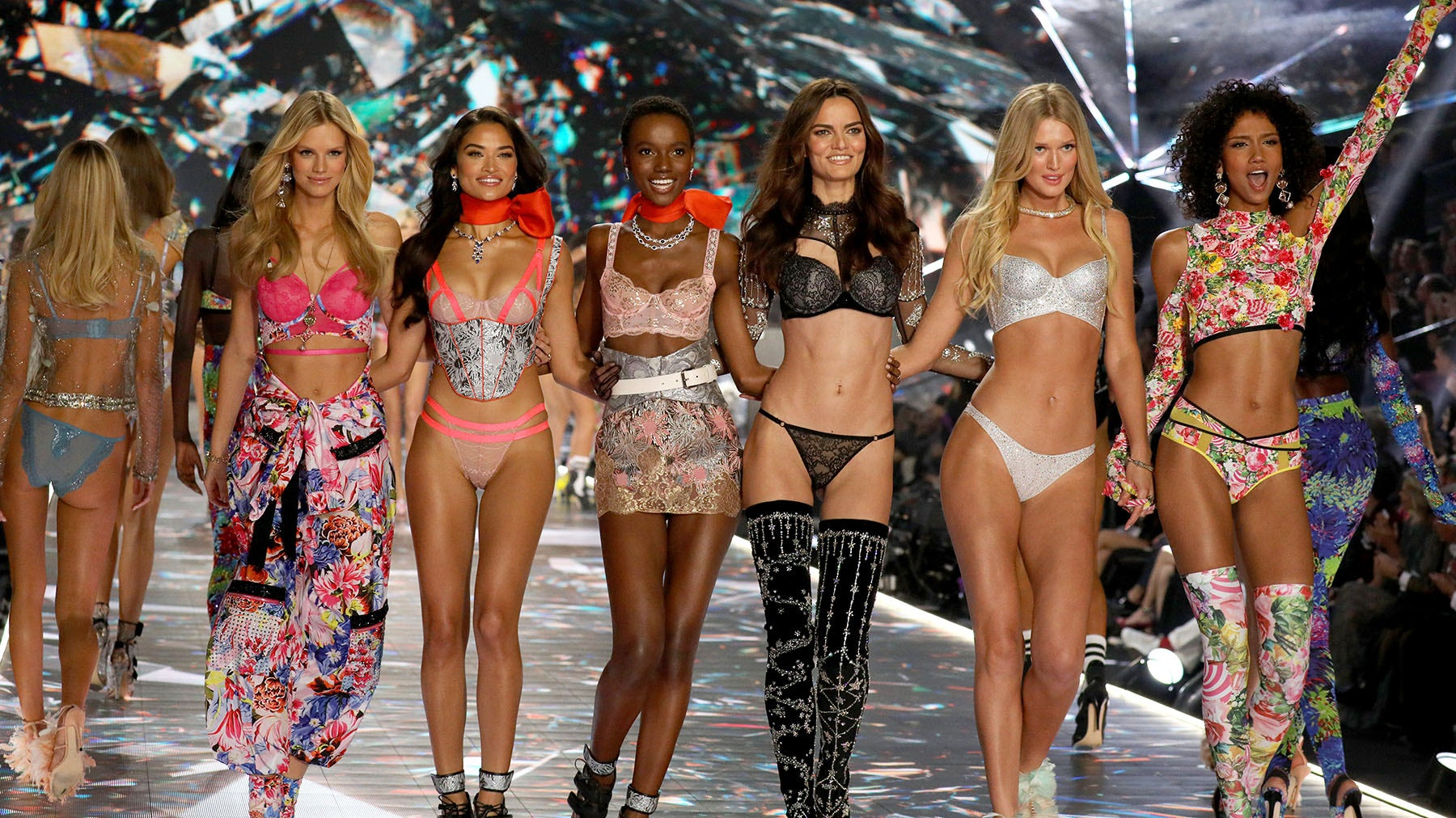 From left: Nadine Leopold, Shanina Shaik, Herieth Paul, Barbara Fialho, Toni Garrn and Aiden Curtiss walk the runway in the 2018 Victoria's Secret Fashion Show in New York | Source: Getty