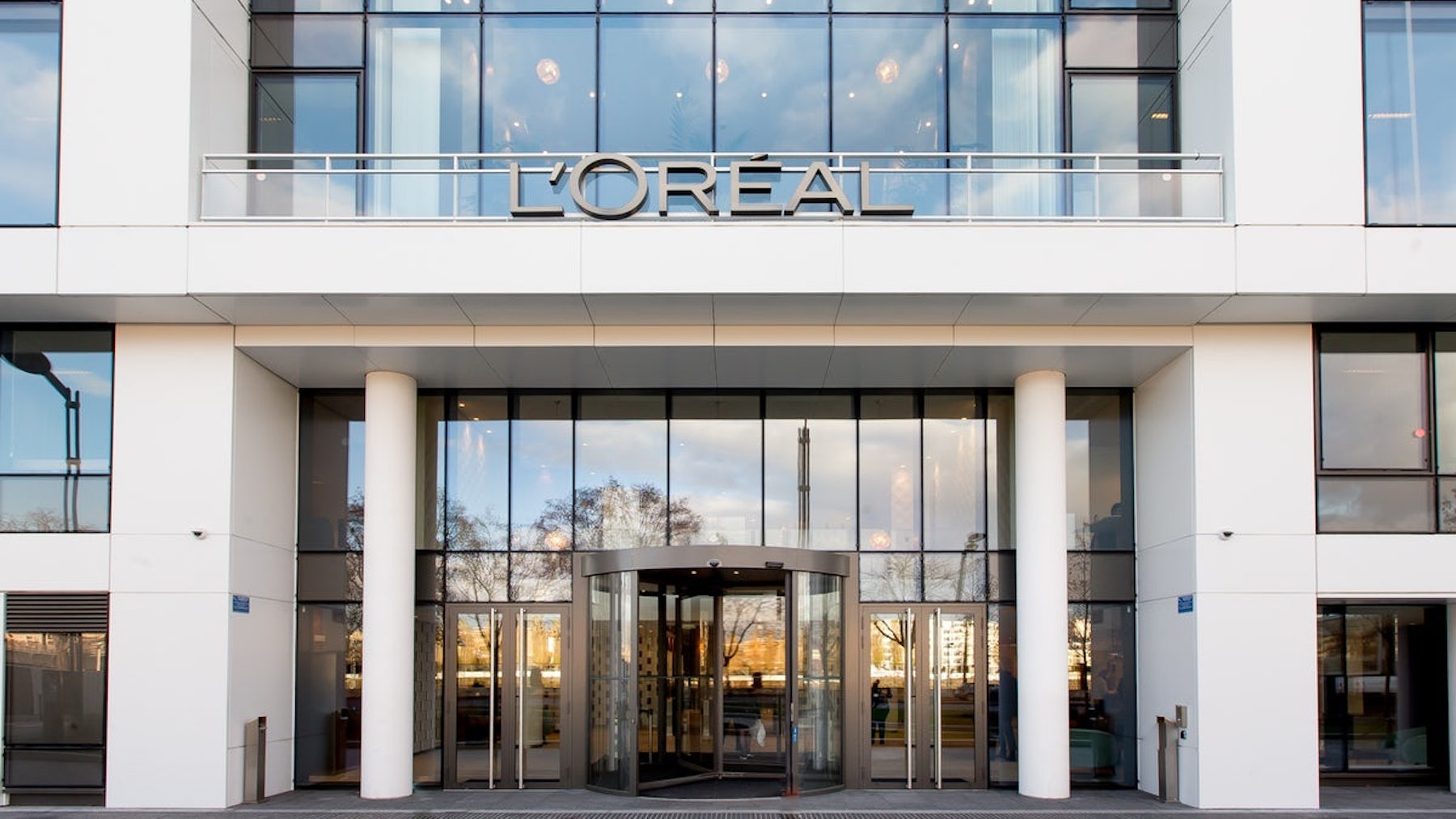 Article cover of Announcing L'Oréal Luxe, Missta, Talbot Runhof and The Only Agency
