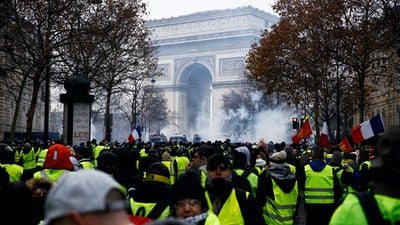 Yellow vest protesters at the Champs-Élysées in Paris, France