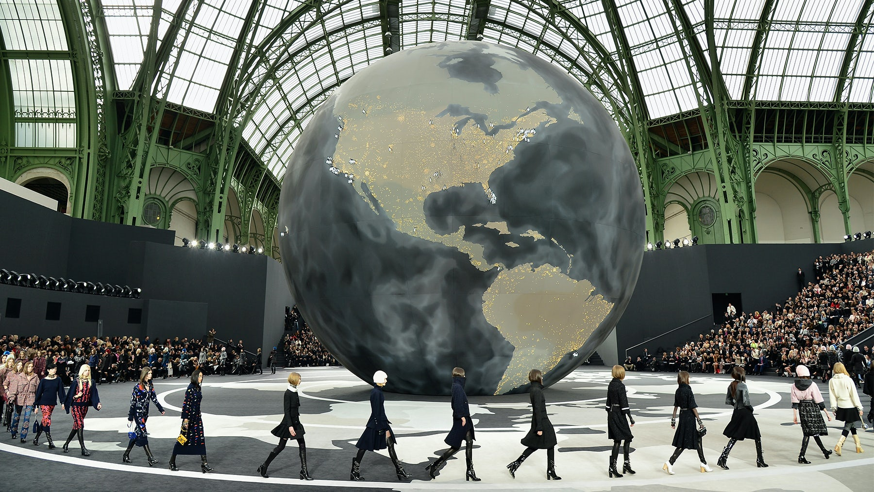 Chanel Autumn/Winter 2013   Source: Getty Images