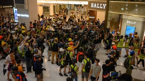 Protesters in New Town Plaza shopping mall in Hong Kong | Source: Shutterstock