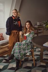 Lucinda Chambers and Serena Hood | Photo: Kensington Leverne