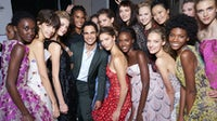 Zac Posen and his models backstage in September 2016 | Photo: Getty