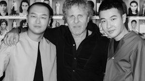 左起:李雨山、Renzo Rosso、周俊 | 图片来源:对方提供