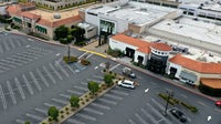 A deserted mall in a county north of San Francisco, California | Source: Justin Sullivan/Getty Images