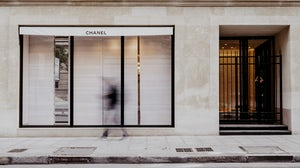 Shuttered Chanel store | Photo: Daniel Korkhov