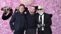 Pietro Beccari,Kim Jones and Karl Lagerfeld attend the Dior Homme Menswear Spring/Summer 2019 show | Source: Getty Images