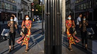 Pedestrians on New Bond Street in central London on Sep. 17 | Source: Simon Dawson/Bloomberg via Getty